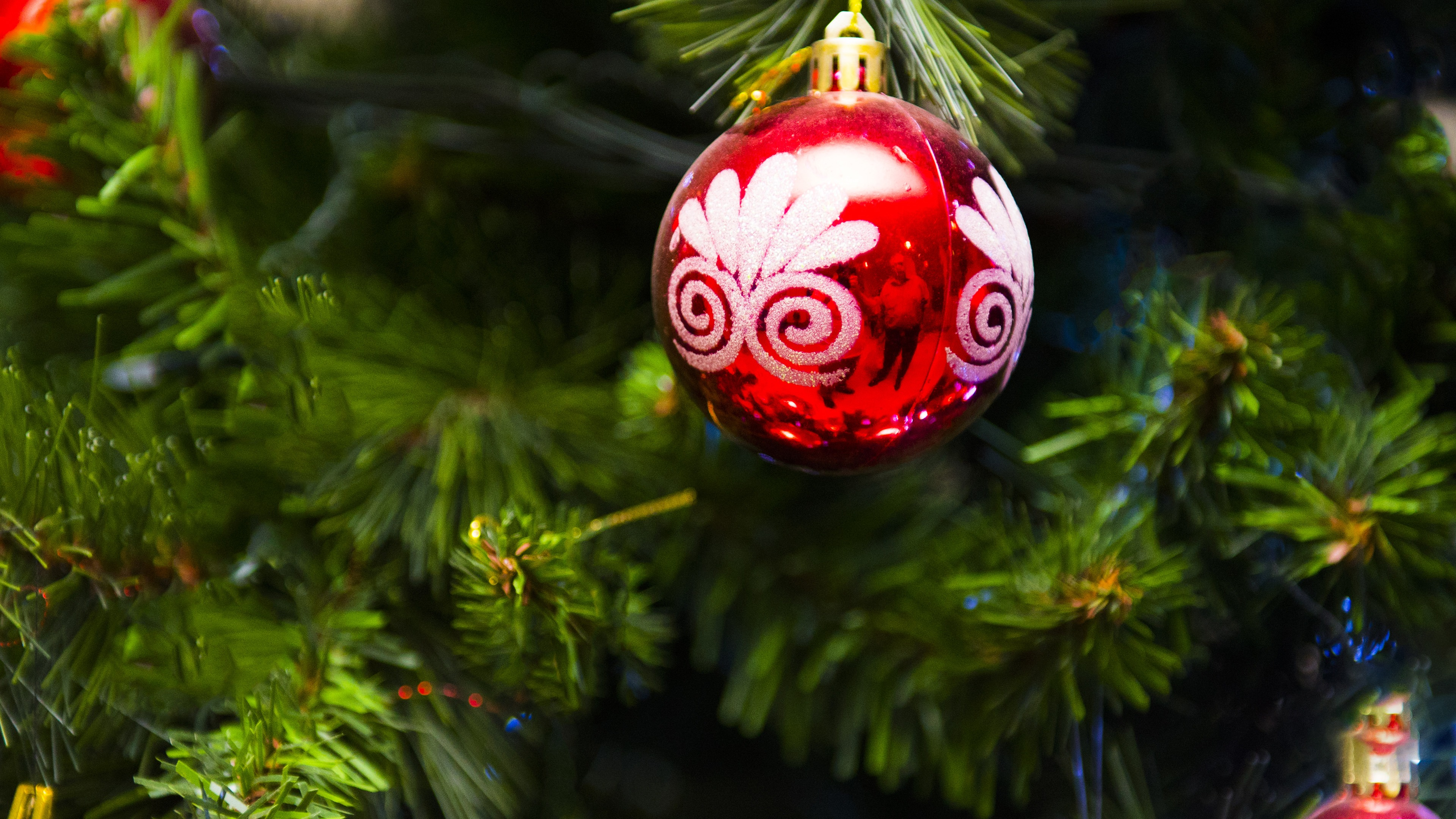 Christmas Tree Decoration Red Ball 4k Background Hd