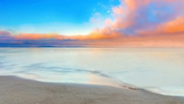 Amazing Beach Side Colorful Horizon Wallpaper 4K