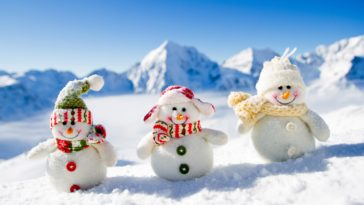Christmas mountain snowman toy Wallpaper 4k 3840x2160